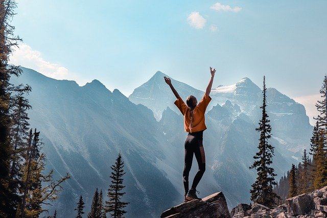 Sport da fare in montagna per stimolare la circolazione delle gambe
